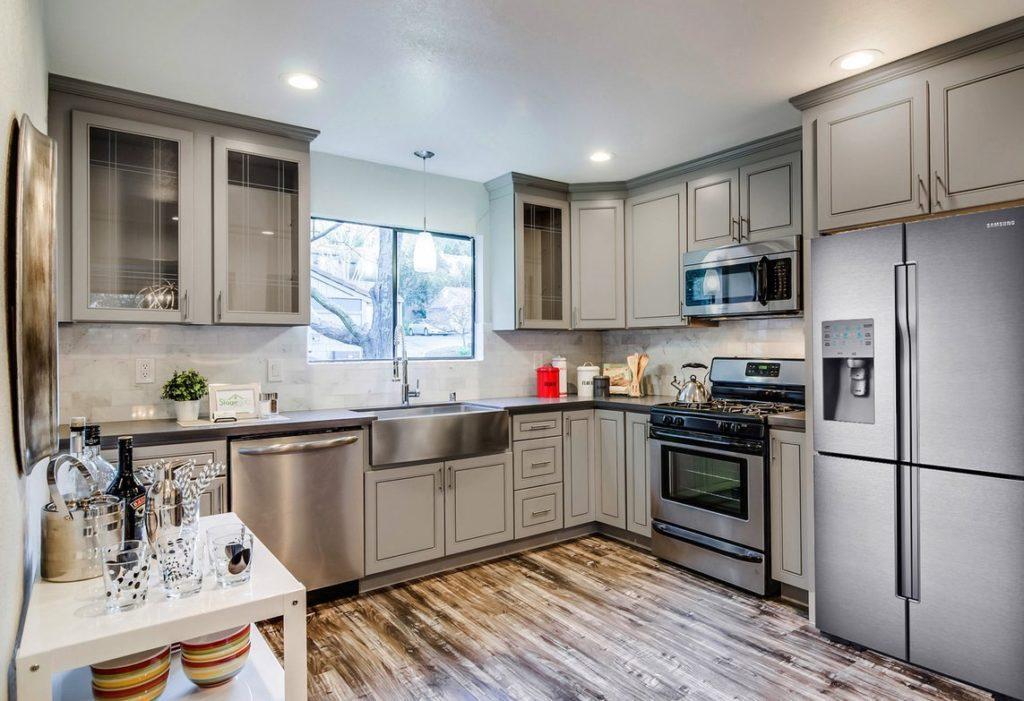 Greige Maple Kitchen Cabinets