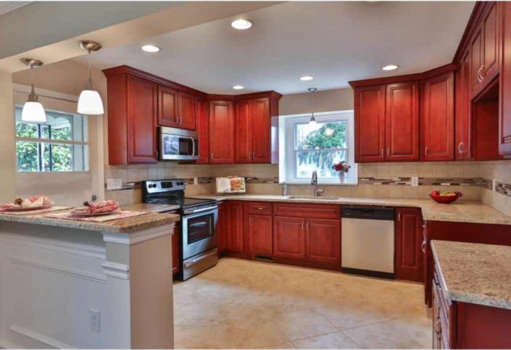 classic cherry kitchen cabinets classic cherry kitchen cabinets 13598